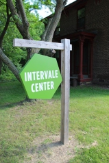 intervale sign